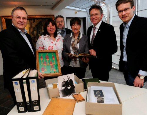 Übergabe des Nachlasses des Nievenheimer Heimatforschers Hans Leitterstorf an das Archiv im Rhein-Kreis Neuss