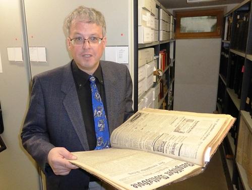 Stadtarchivar Dr. Axel Bayer im Archiv der Stadt Burscheid (Foto: Stadt Burscheid)
