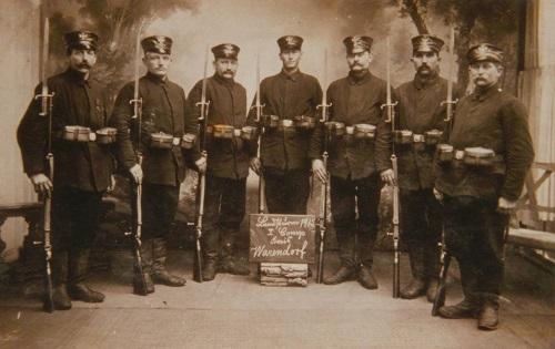 Soldaten der 1. Kompagnie des Landsturms im Kreis Warendorf im Jahr 1915 (KAW, Bildarchiv Altstadtfreunde Nr. 14.02.-36)