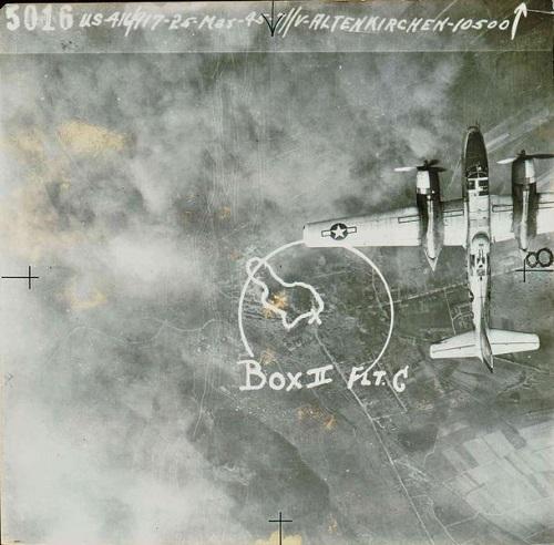 Abb.: Luftaufnahme von Altenkirchen aus den Beständen der US-Luftwaffe (Signatur: Kreisarchiv Altenkirchen, KA AK, F20, FRS01450, Rüdiger Rosen)