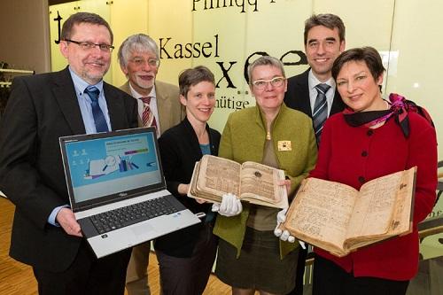 Große Freude bei der Freischaltung des Kirchenbuchportals im Kasseler Haus der Kirche (Foto: medio.tv/Socher)