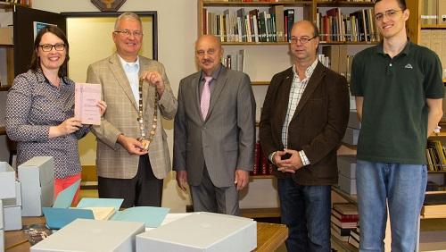 Abb.: v.l. Antje Winter, Bürgermeister Jablonski, 1. Vorsitzender Harry Harter, Geschäftsführer Joachim Hürten und Praktikant Jan Glowczynski