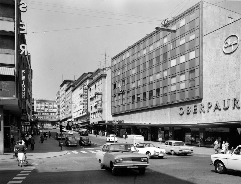 Die Leopoldstraße um 1966 (Foto: G. Wipfler, Stadtarchiv Pforzheim)