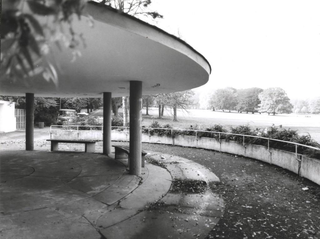 Abb. 2 Schutzdach, 1981